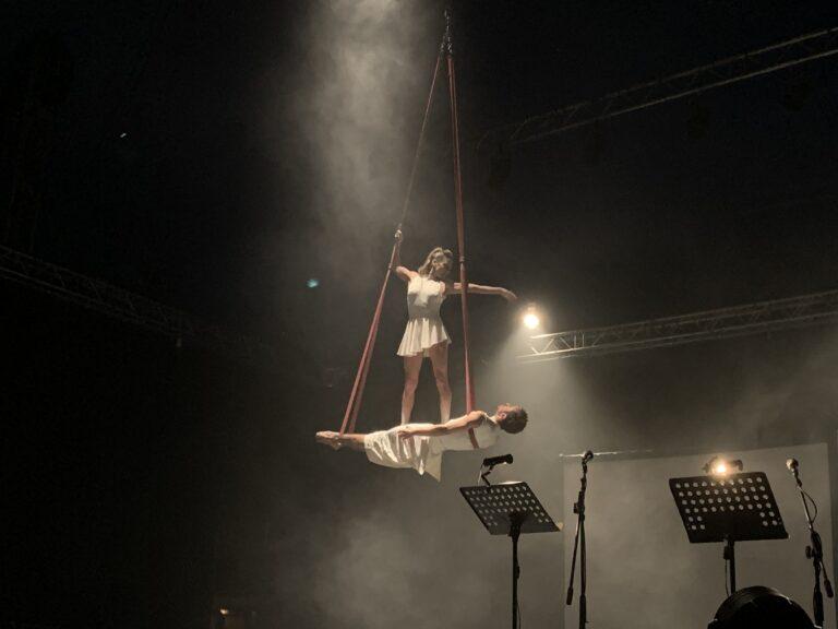 2020-10-11-都灵-中秋杂技表演6